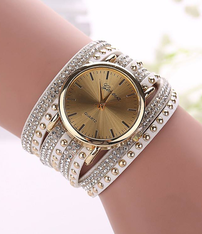 Fashion Quartz Multilayer Leather Rivets Bracelet Watch. EAW-101