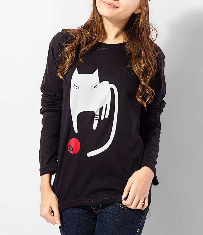 Women's Black Playing Cat Cotton Printed T-shirt. KTY-FPT190