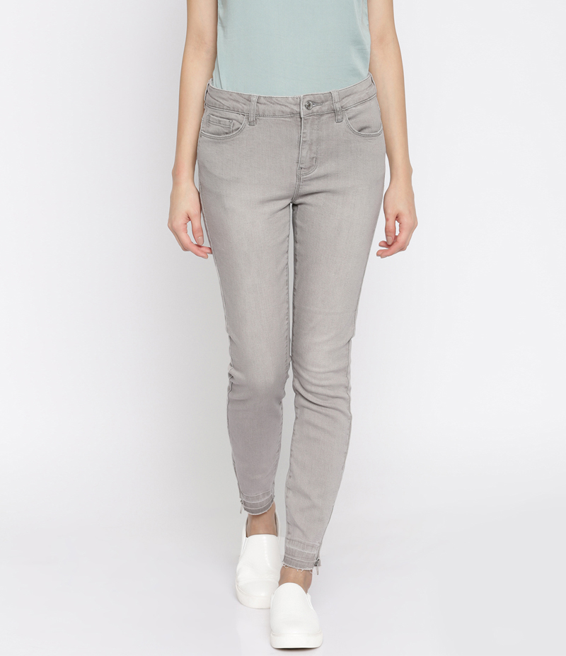 Women's Grey Denim Jeans. SA-J33